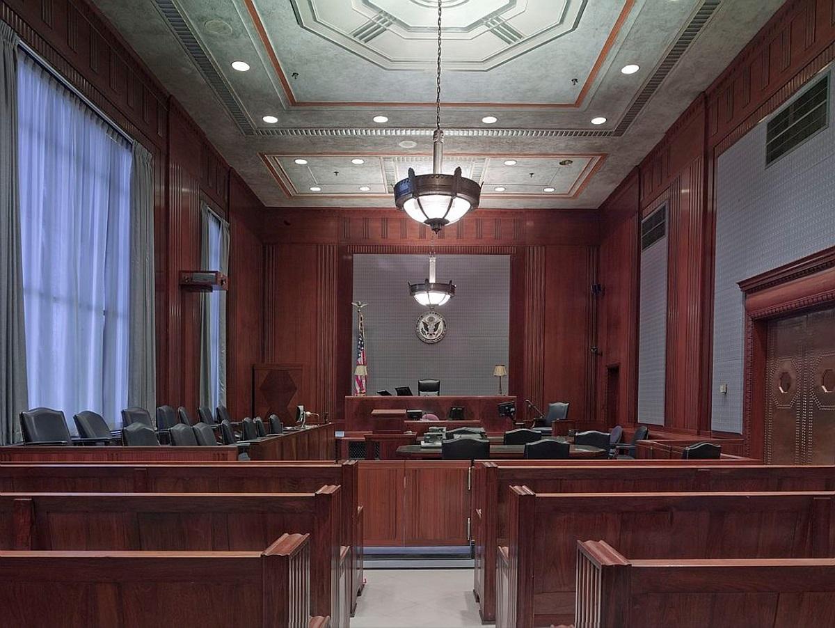 Modificări Codul Penal: Condamnații care au peste 60 de ani vor executa doar o treime din pedeapsă