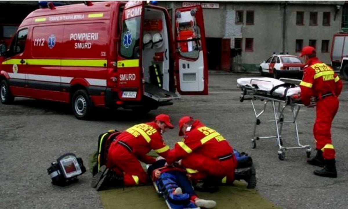 Tragedie în Petroșani. Un tânăr s-a aruncat de la etajul 10, de teama unui incendiu