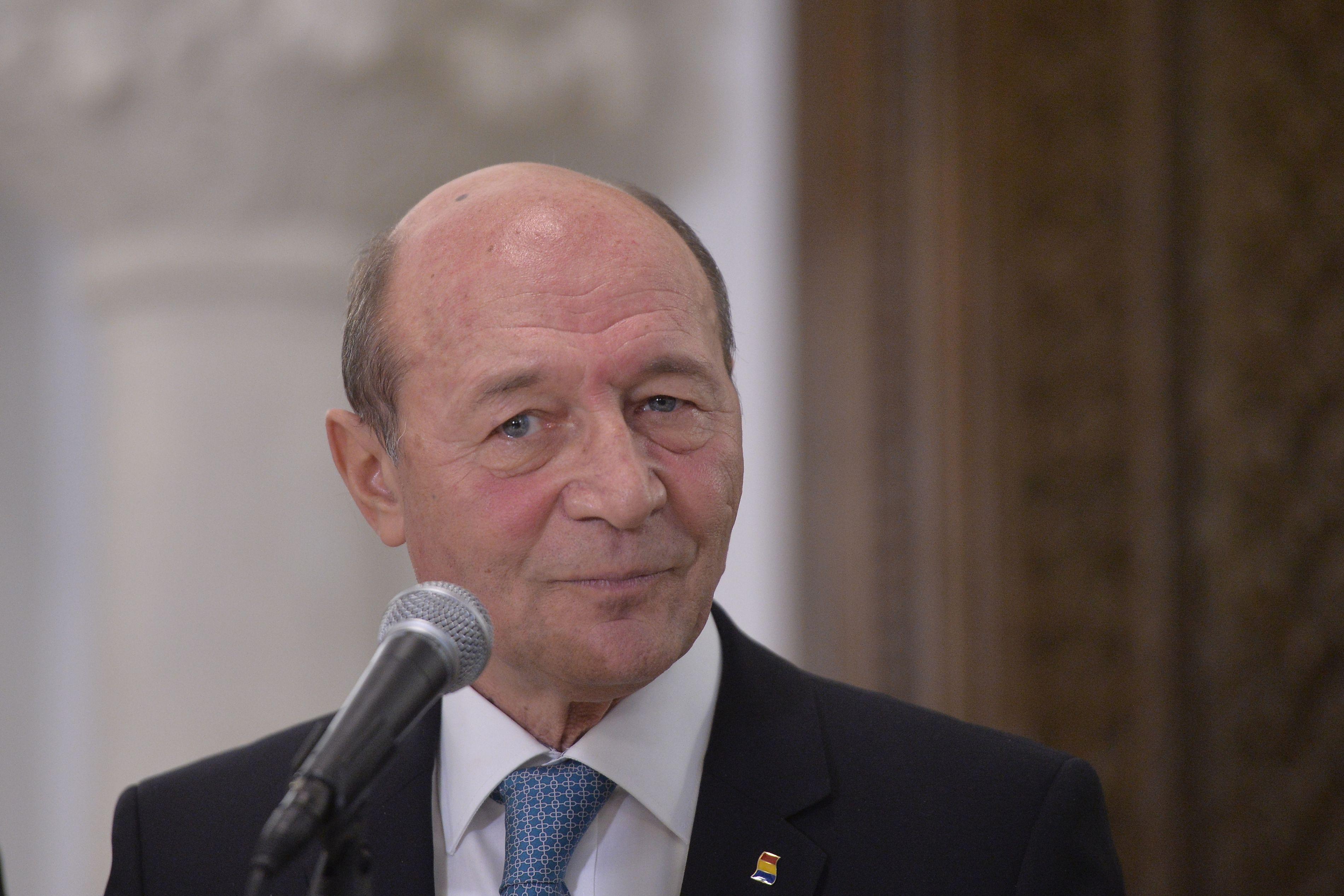 """Liviu Dragnea Condamnat. Reacția lui Traian Băsescu """"Trebuie să pleci acum!"""""""