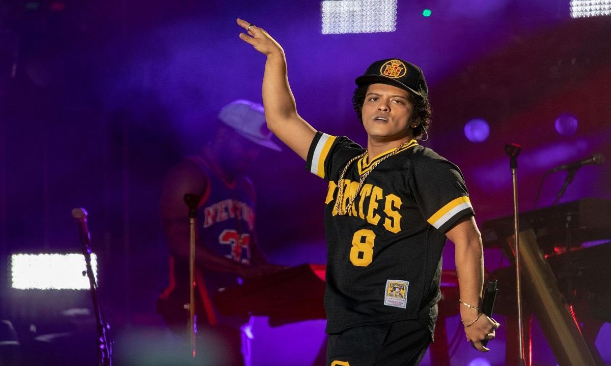 Bruno Mars nevoit să părăsească scena! Un incendiu a izbcnit pe scenă. Cum se simte artistul