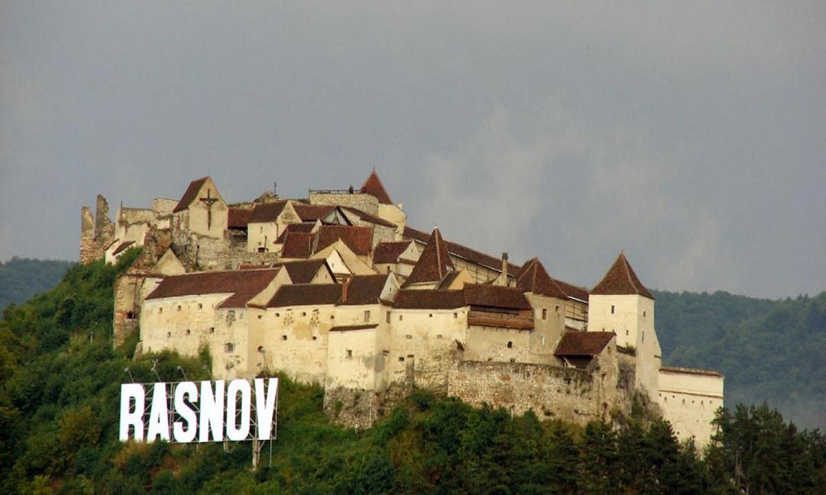 Braşov: Cetatea Râşnov va putea fi vizitată gratuit!