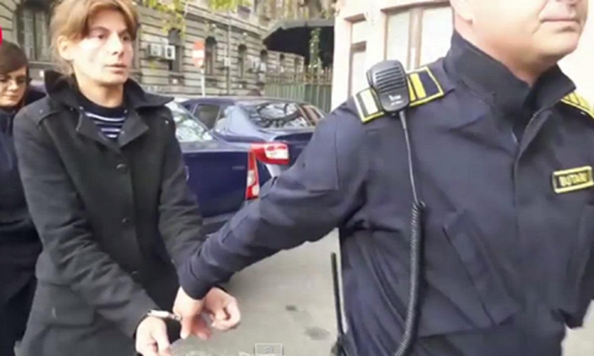 Criminala de la metrou rămâne în închisoare! I-a fost prelungit mandatul de arestare