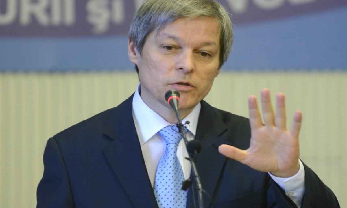 """Dacian Cioloş a semnat petiţia """"Fără penali în funcţii publice"""""""