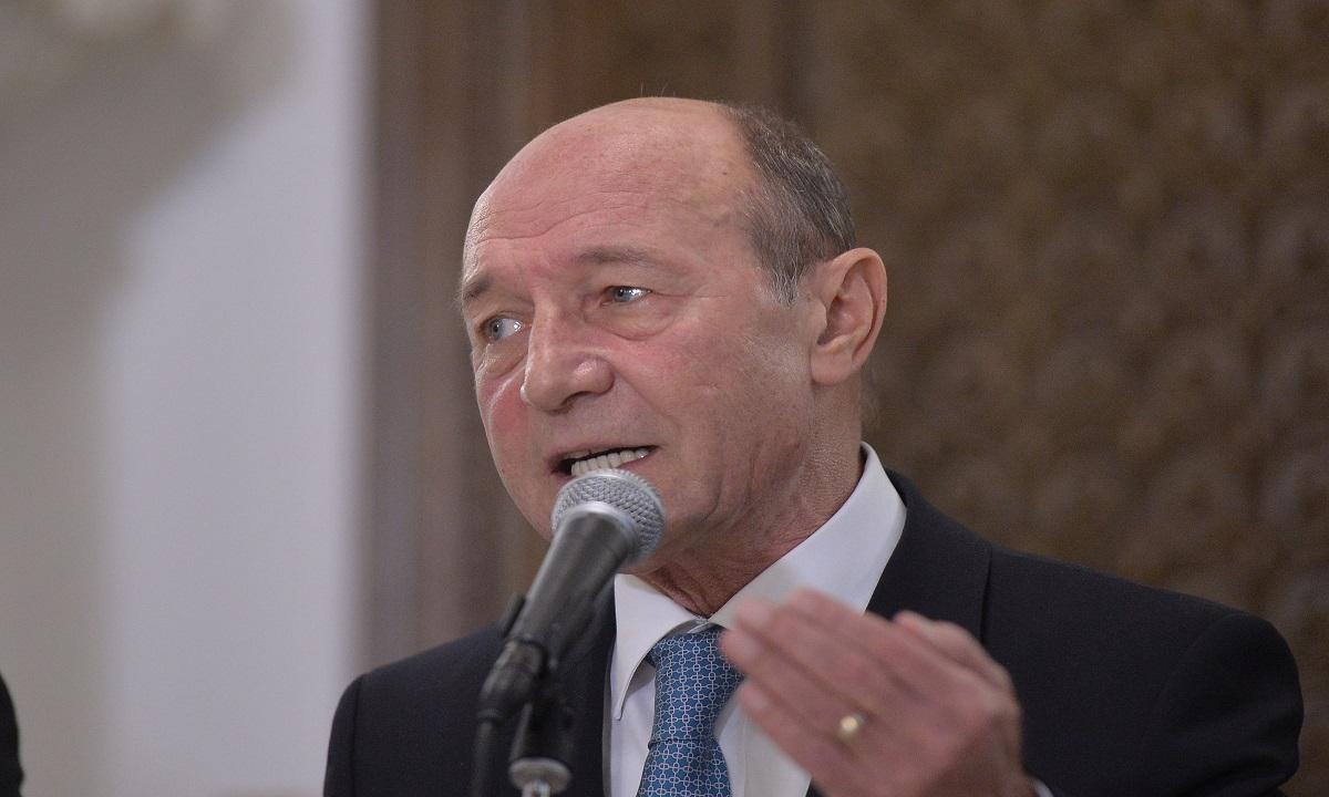 Traian Băsescu îi cere Vioricăi Dăncilă să plece de la Palatul Victoria!