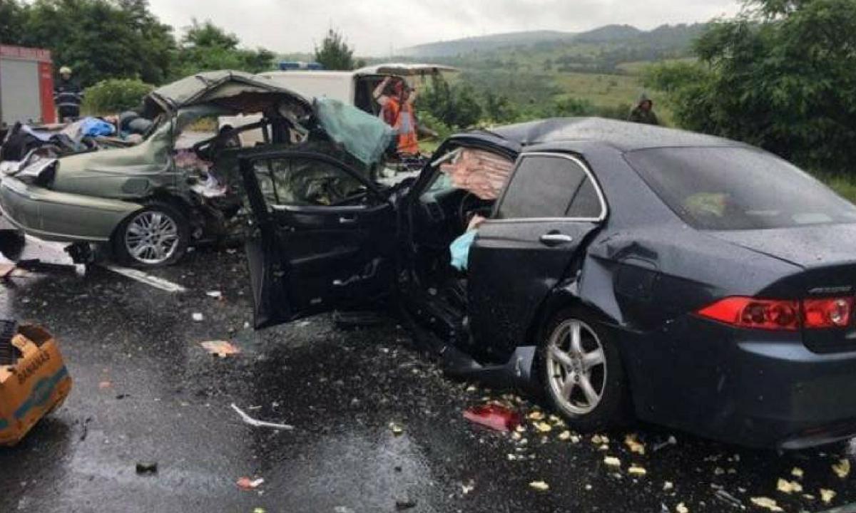 Sibiu: Accident în Bradu, cu trei victime. Trafic blocat pe DN 1