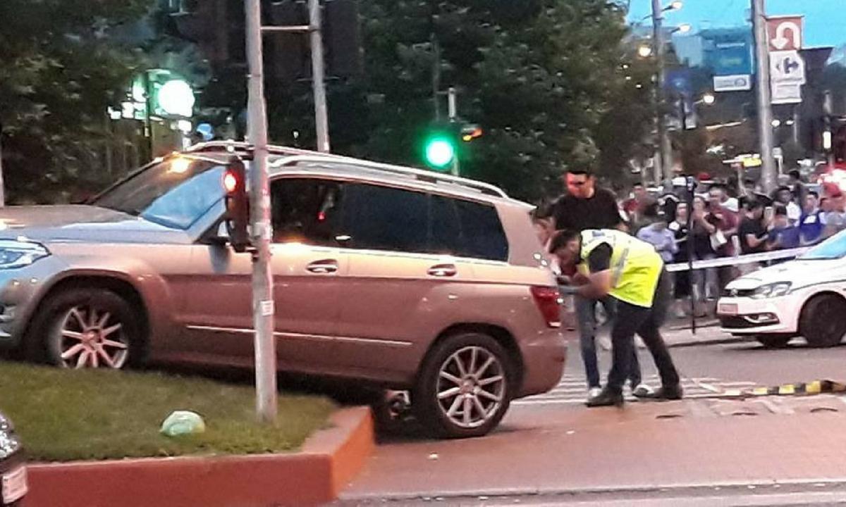 Accident în Bucureşti, la intersecţia bulevardelor Liviu Rebreanu şi Nicolae Grigorescu