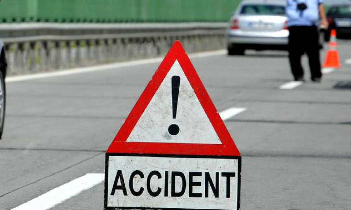 Accident pe Autostrada Soarelui. O cisternă cu kerosen s-a răsturnat
