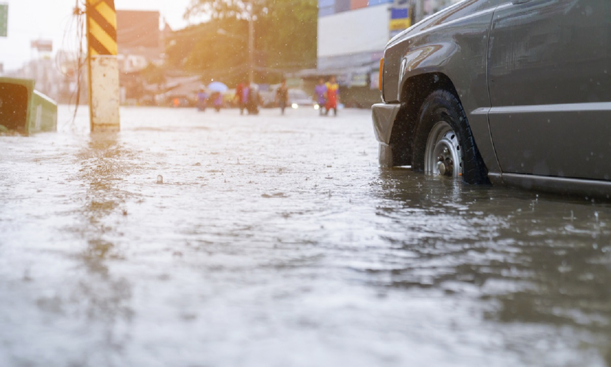 Cod galben de inundații în 13 județe