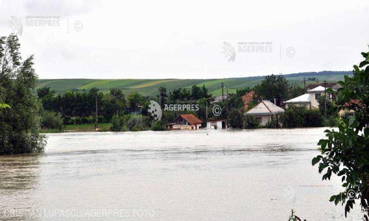 Cod portocaliu de inundații în 24 de județe