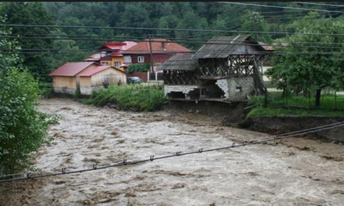 Vâlcea: Inundaţii la Măciuca şi Râmnicu Vâlcea