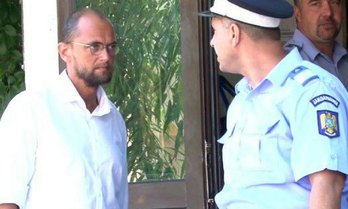 Scandal între Oreste Teodorescu și poliție! Filmarea din seara în care acesta a rămas fără permis