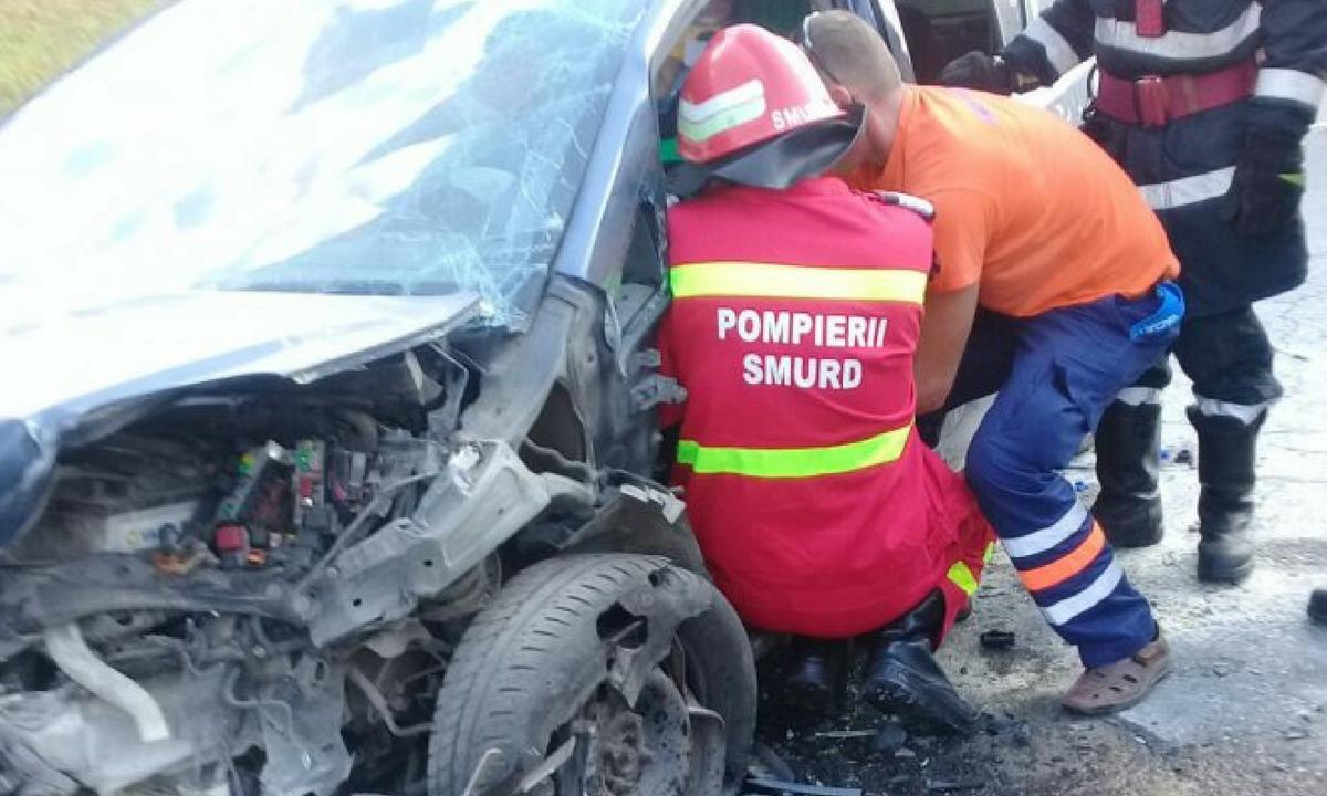 Brașov: Accident în Codlea: Trei persoane au fost rănite