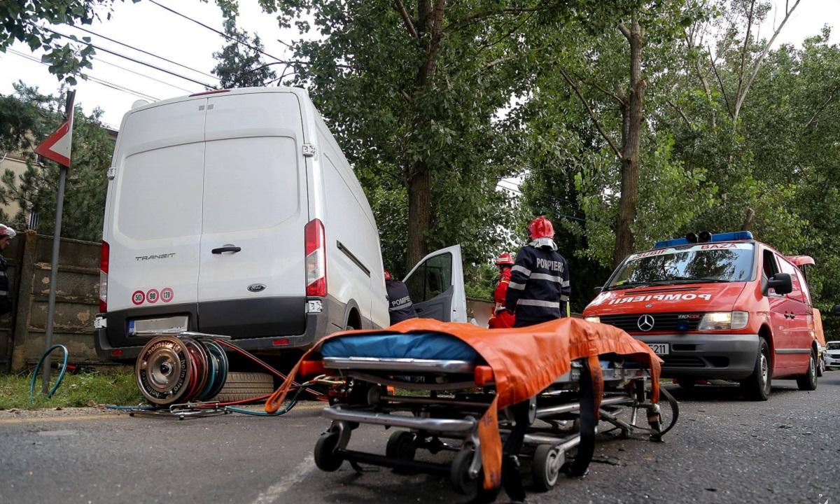 Accident în Galați, pe 27 august. Trei răniţi şi trei maşini avariate într-o coliziune în lanţ