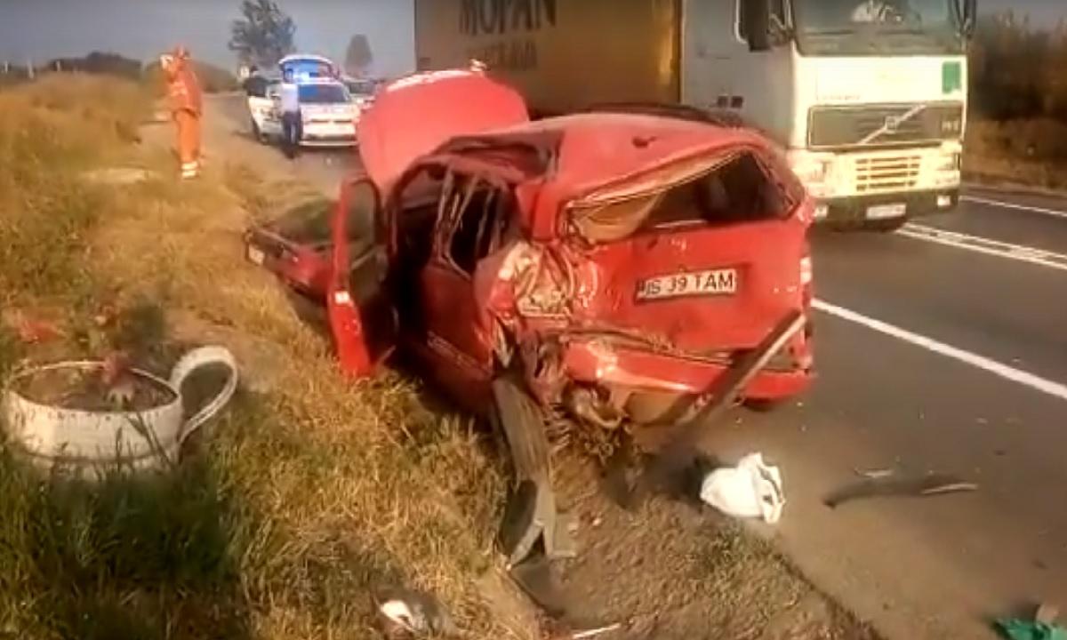 Accident în județul Iași între un microbuz și un autoturism. Sunt 10 victime