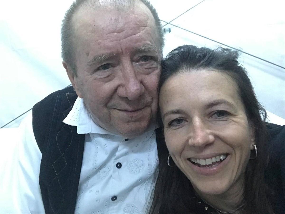 Ce au făcut fata și soția lui Dumitru Fărcaș, după moartea acestuia