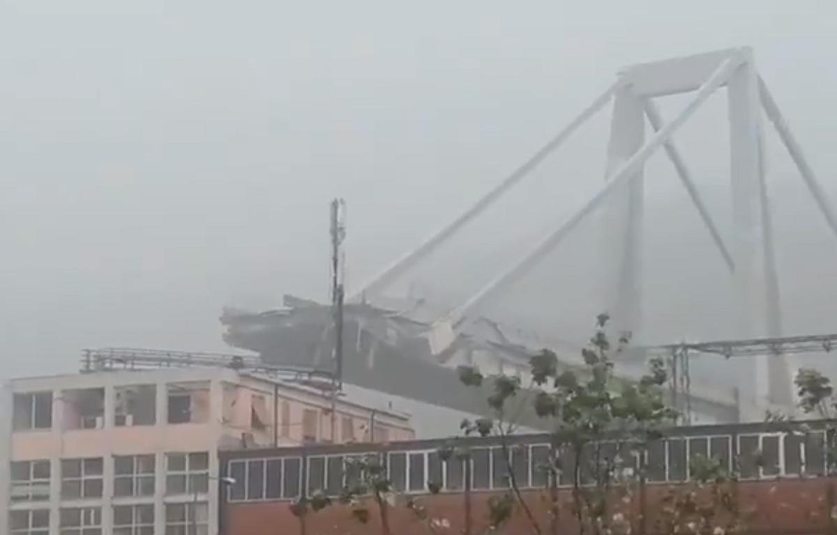 Italia: Un pod al unei autostrăzi din apropiere de Genova s-a prăbușit