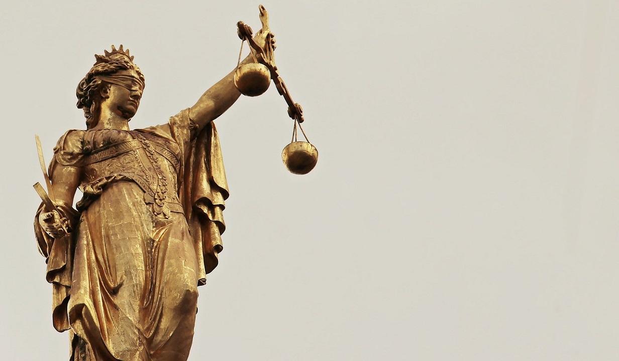 Procurorul Bogdan Pârlog din Piaţa Victoriei, cercetat de IJ pentru că a criticat noile legi ale Justiţiei