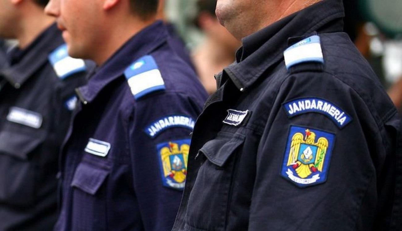 Zeci de plângeri depuse după intervenția Jandarmeriei în Piața Victoriei. Ce s-a întâmplat cu arma furată