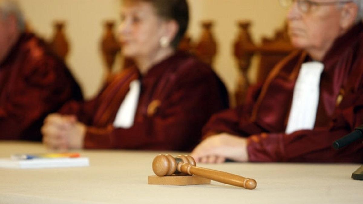 CCR discută azi sesizările referitoare la Codul de procedură penală