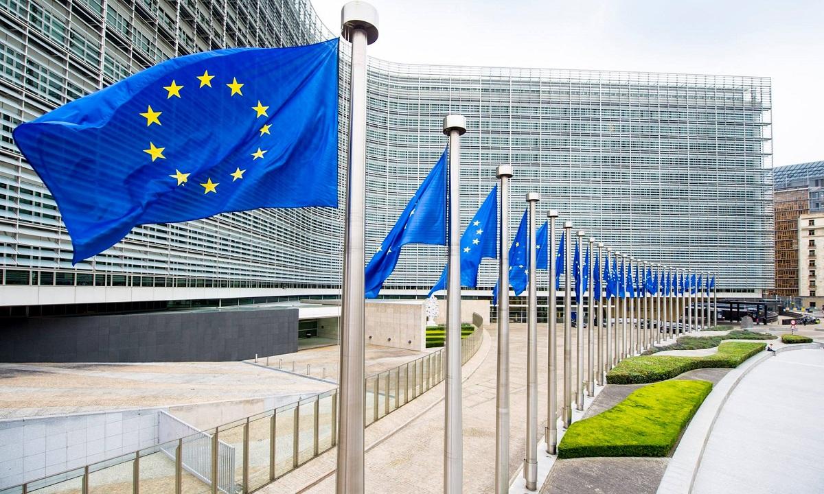 """Comisia Europeană, prima reacție după criticile PSD cu privire la MCV: """"Nu pedepsește..."""""""