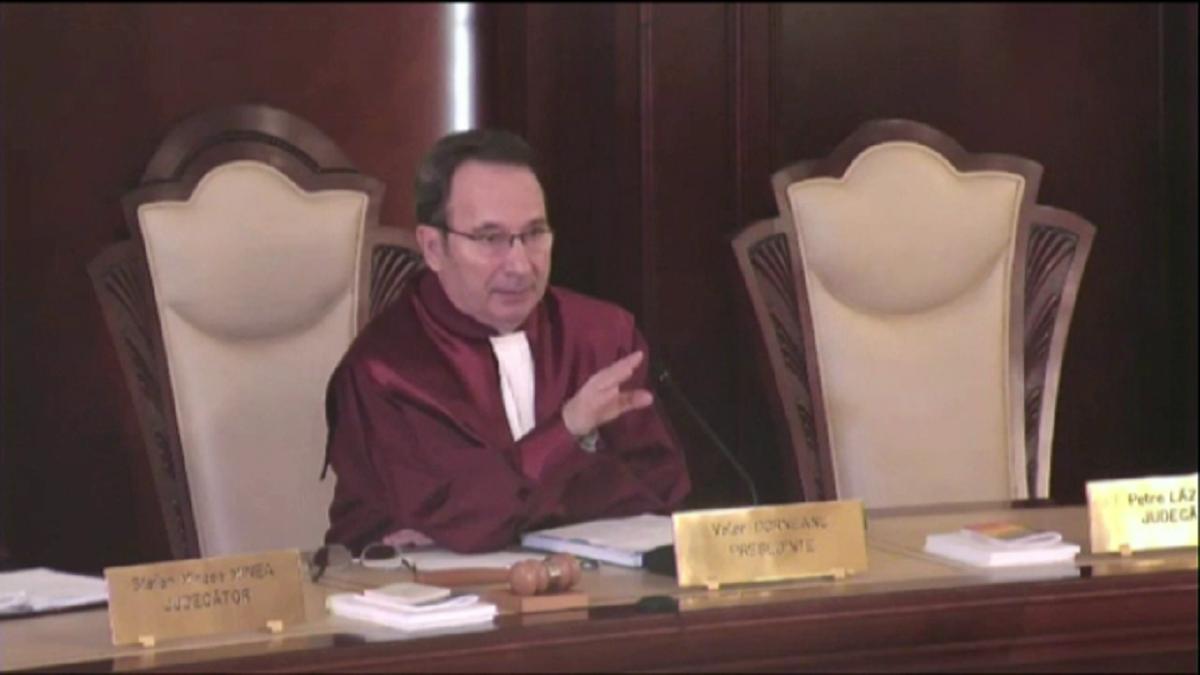 Decizia CCR în legătură cu completele de 5 judecători