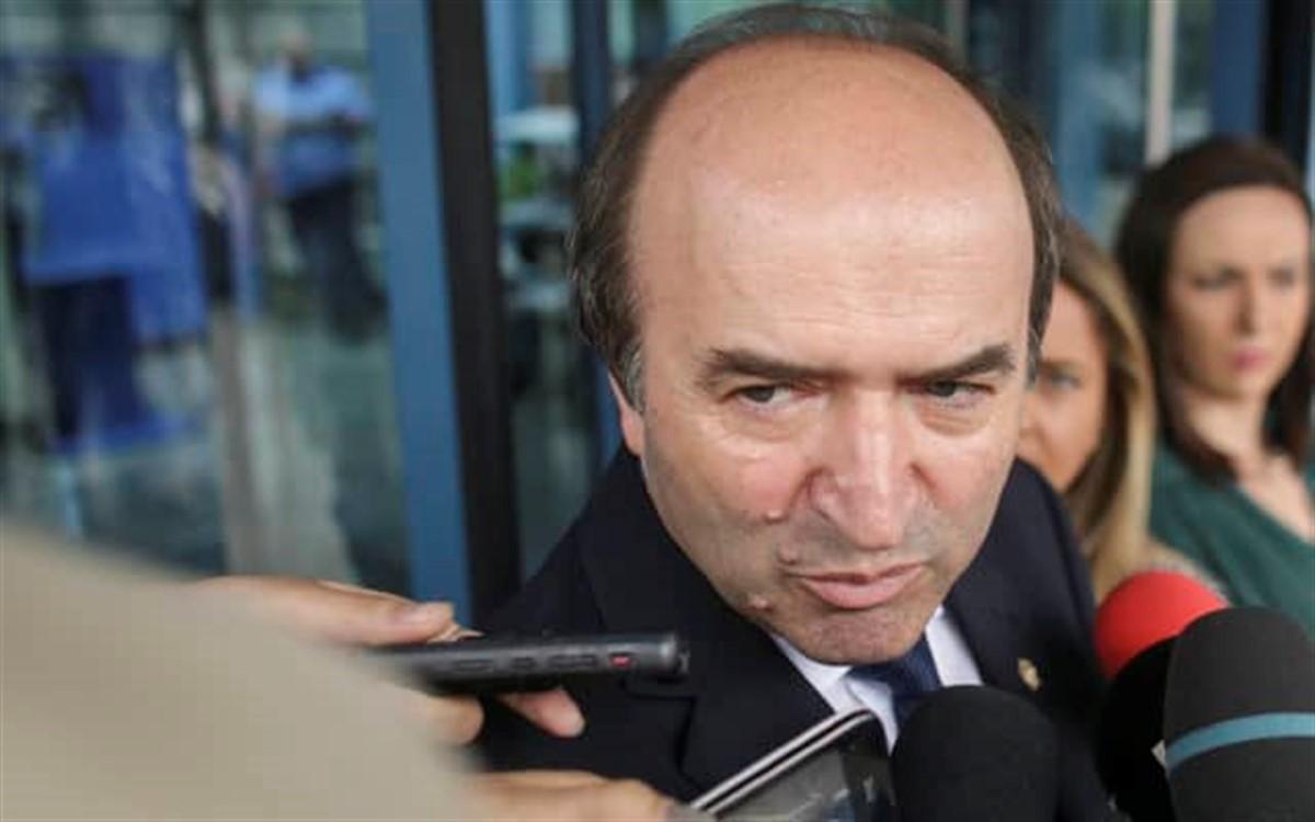 Tudorel Toader: Viorica Dancilă trebuie să sesize CCR în cazul procurorului general Augustin Lazăr
