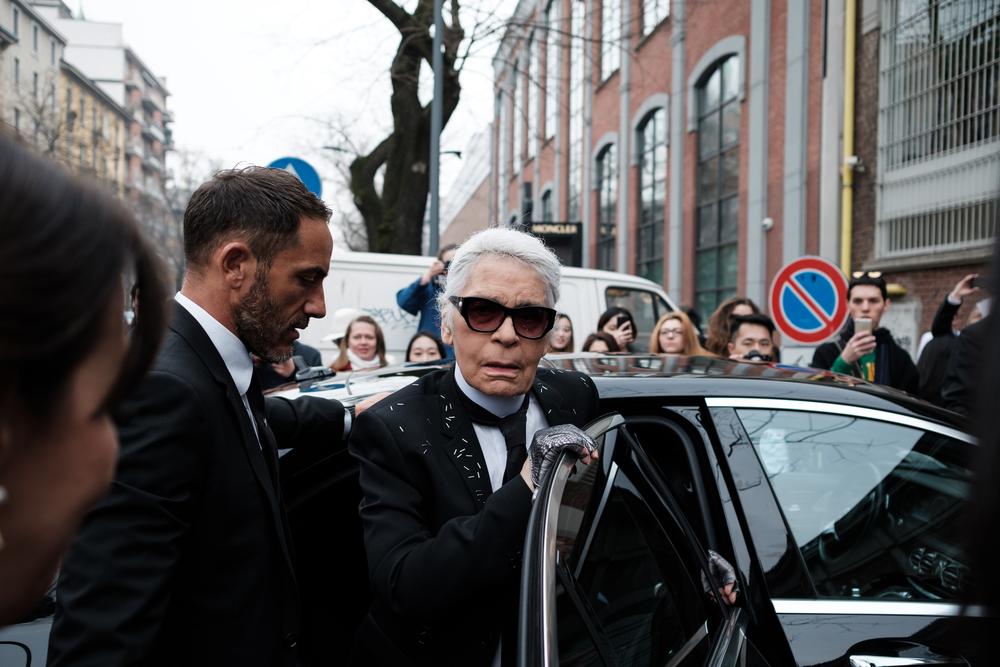 Creatorul de modă Karl Lagerfeld a decedat
