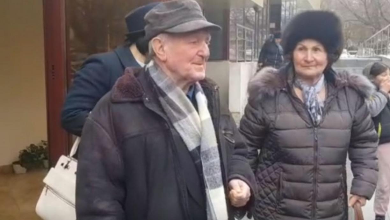 S-au căsătorit la 80 de ani, după 37 de ani de relație