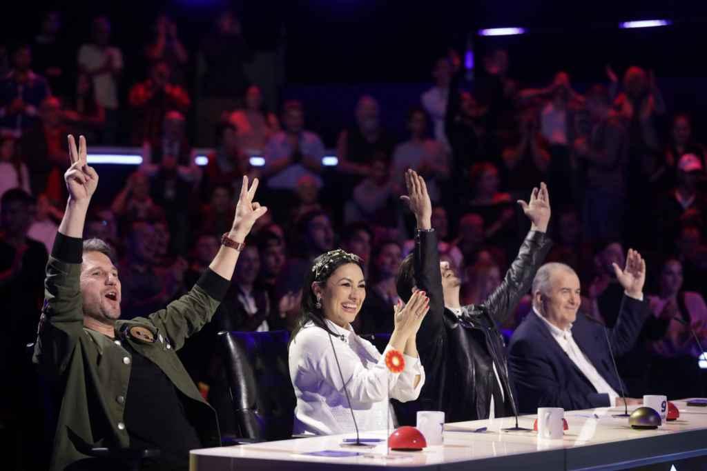 """Andi, uluit de un concurent de la Românii au talent: """"E deasupra competiției. Este de neoprit!"""""""