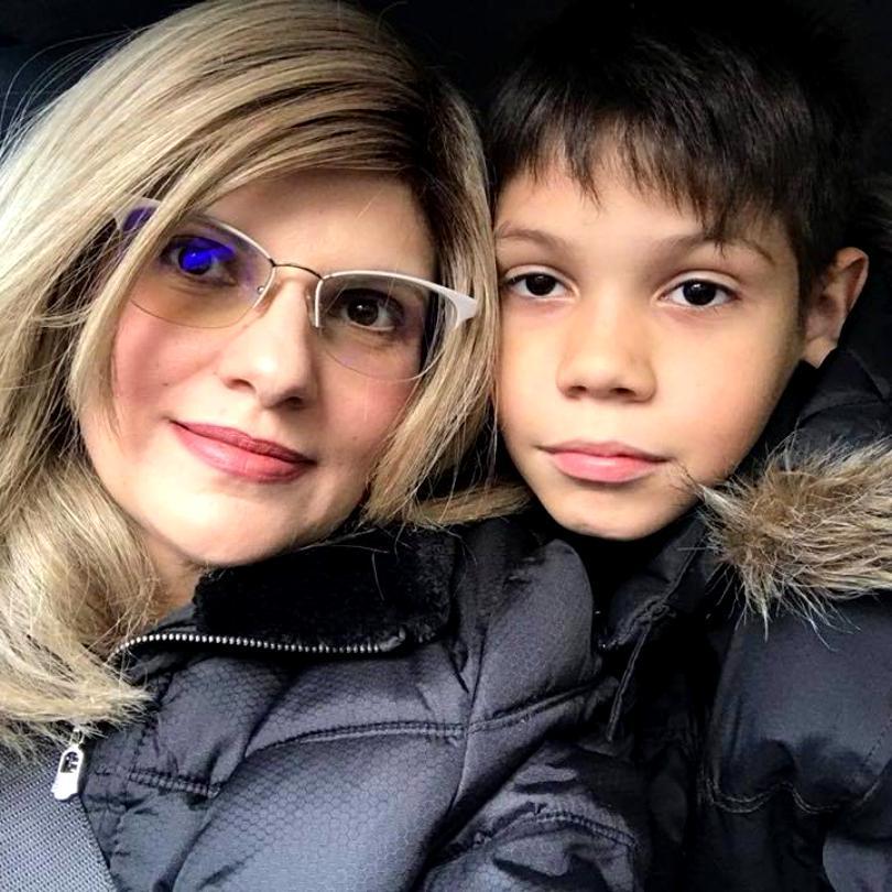 Andreea Anghel, mama băiețelului ucis de maidanezi, a primit un cadou emoționant de 8 Martie