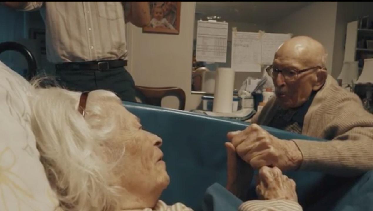 Gestul impresionant al unui bătrân față de consoarta lui după 80 de ani de căsnicie