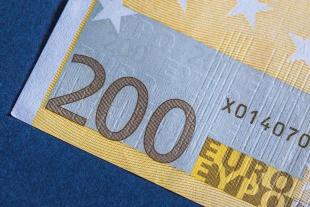 Bonurile valorice de 200 de euro pentru români au fost aprobate