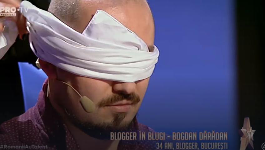 Bloggerul în Blugi a scris două poezii și a cântat în același timp pe scena Românii au talent.