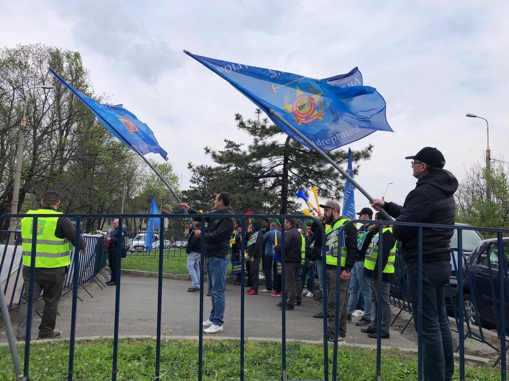 Miting al polițiștilor de frontieră în fața Inspectoratului General al Poliției de Frontieră