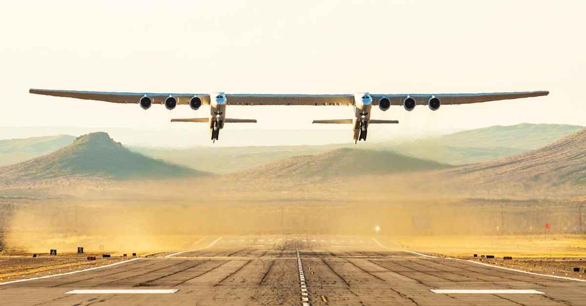 Cel mai mare avion din lume a decolat. Imagini foto și video cu Stratolaunch