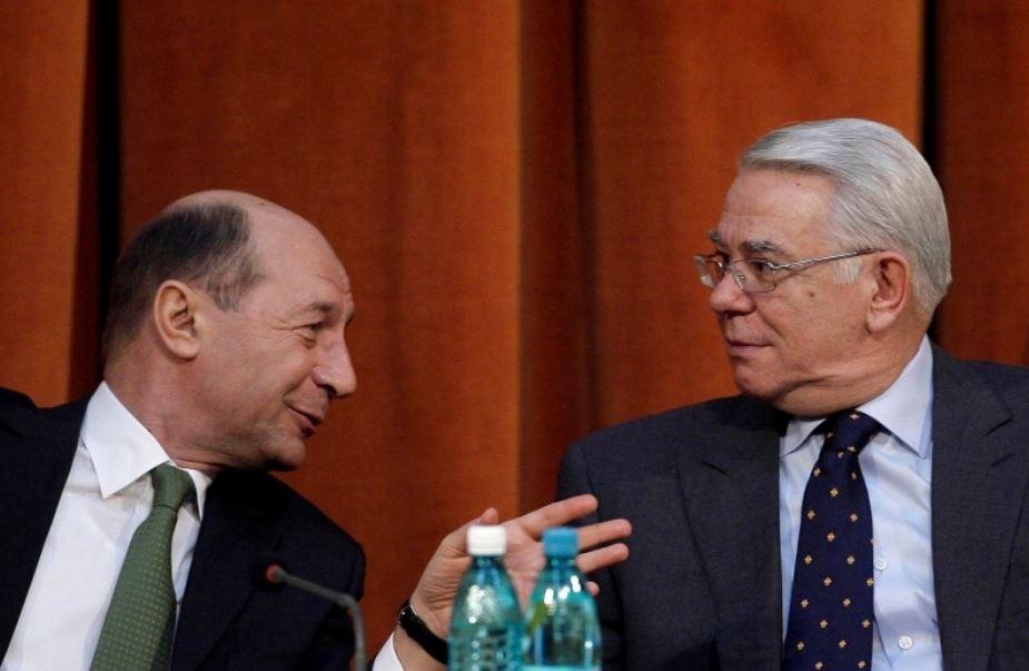 Traian Basescu impreuna cu Teodor Melescanu