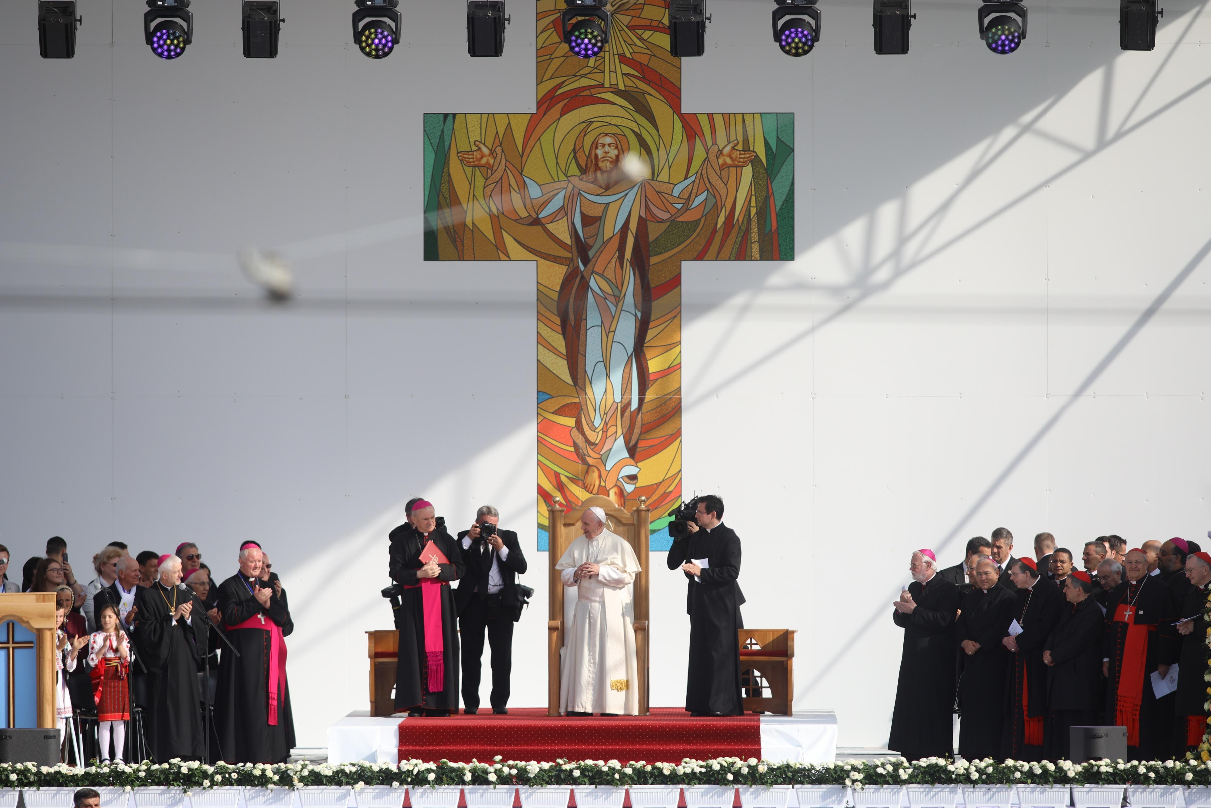 Papa in Romania. Papa a ajuns la Iasi