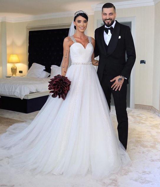 Adelina Pestrițu și Virgil Șteblea s-au căsătorit azi. Primele imagini de la nuntă