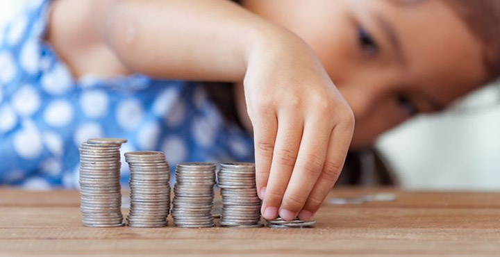 Alocații 2019-2020. Câți bani le dă statul copiilor în acest an școlar