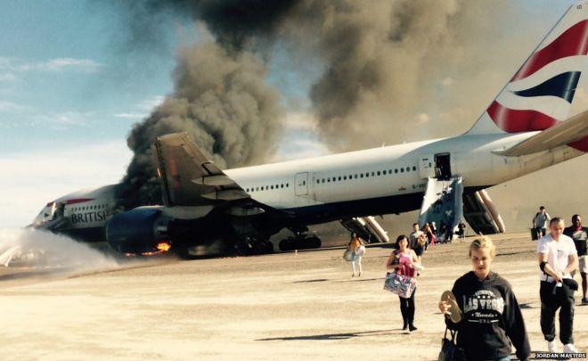 Un avion a fost cuprins de flăcări! Aterizare de urgentă! Starea pasagerilor