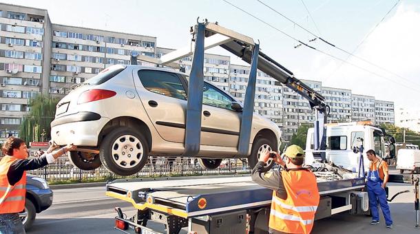 Incepe ridicarea masinilor parcate neregulamentar in capitala