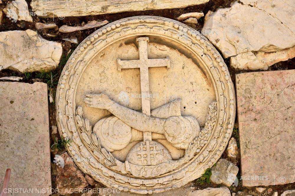 SĂRBĂTORI RELIGIOASE - 12 august Calendar Ortodox, Catolic și Greco Catolic