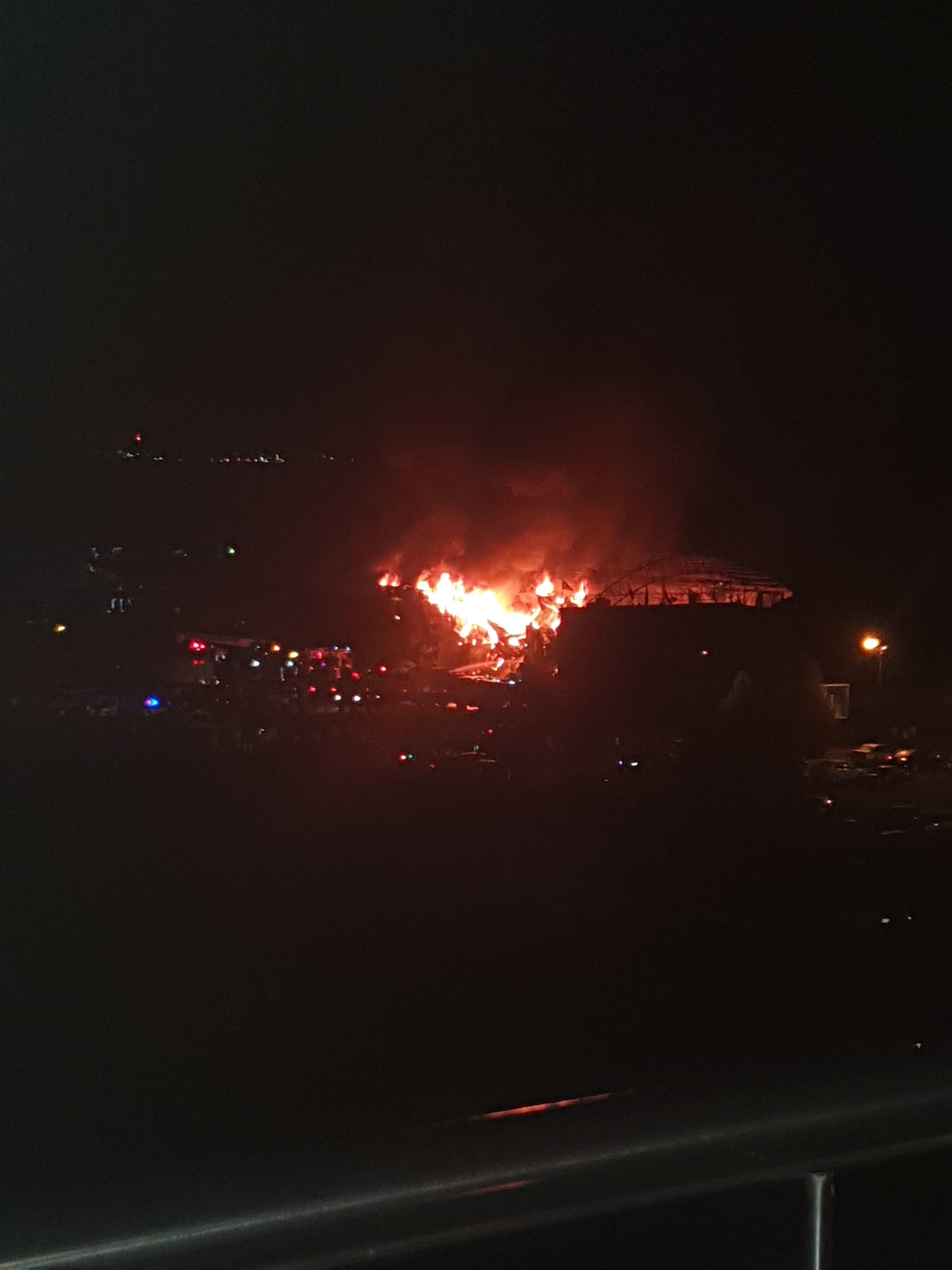 Incendiu puternic la clubul SILENCE din Mamaia! A ars din temelii VIDEO