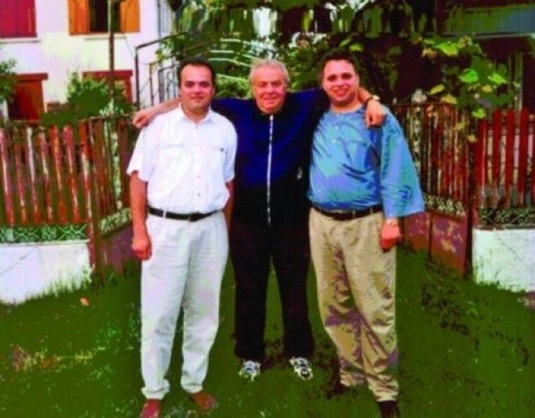 Fiul lui Arsinel este ingropat in datorii. sursa foto: wowobiz.ro
