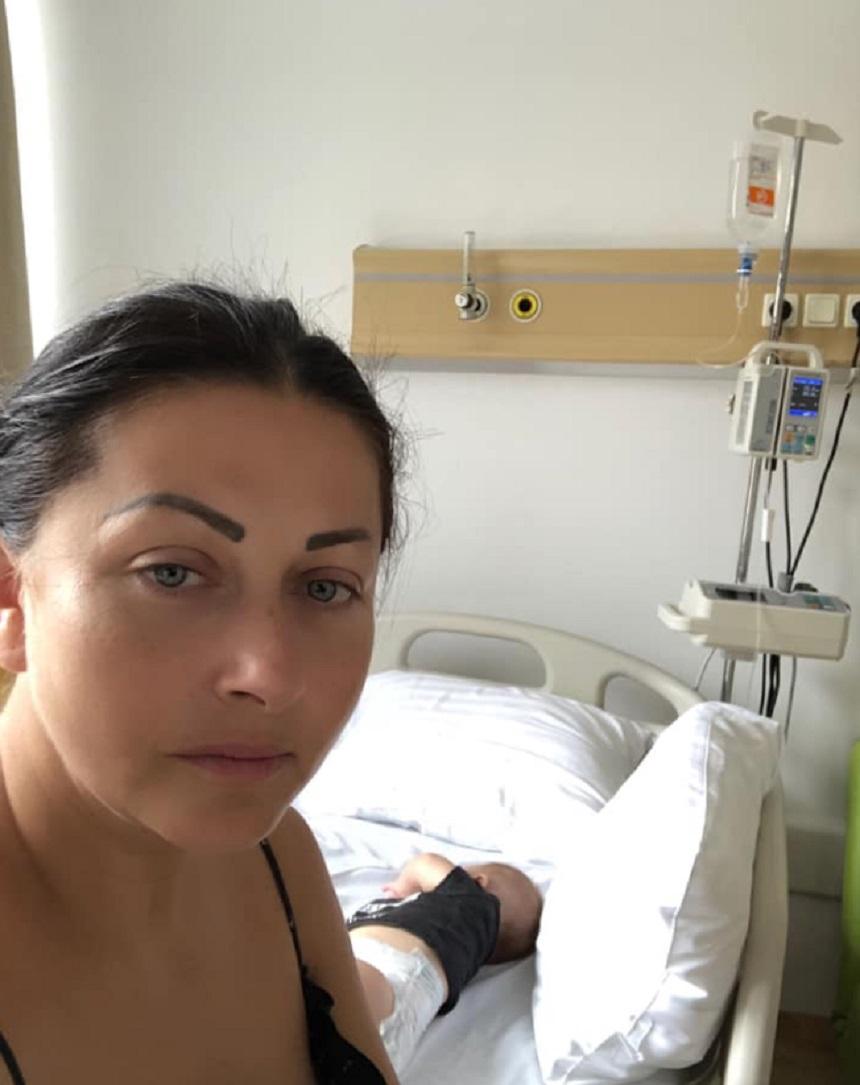 Gabriela Cristea a ajuns de urgenta la spital cu fata ei cea mica