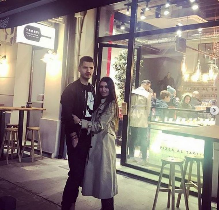 Elena Băsescu s-a despărțit de iubitul ei, Cătălin Gheorghe, alias Tomată. Cei doi au avut o relație de doi ani și au împreună un copil.