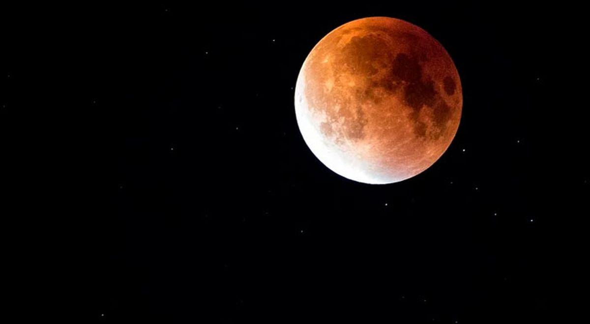 Astăzi are loc prima eclipsă de lună din 2020. De unde o puteți vedea