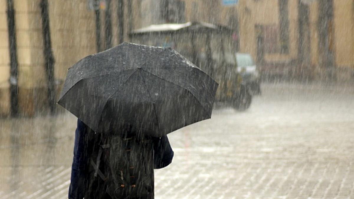 Vine vreme rea! Meteorologii au emis cod galben și portocaliu în aproape toată țara