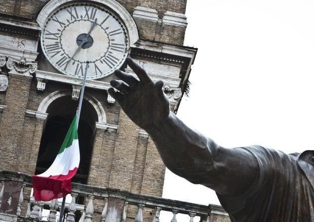 """Atillio Fontana, guvernatorul regiunii Lombardia: """"Cred că începe să scadă numărul de cazuri de infectare"""""""
