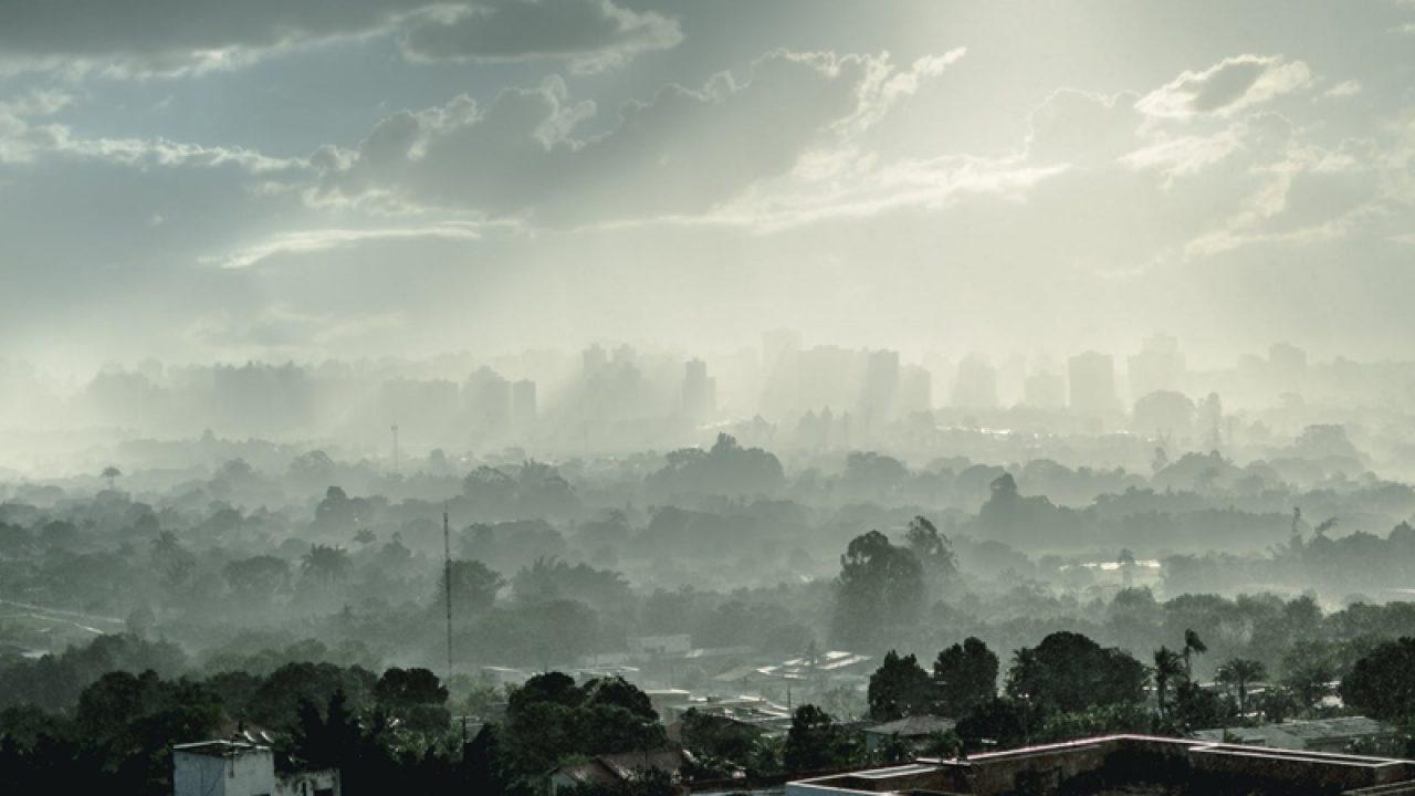 Bucureștiul a fost extrem de poluat în noaptea de duminică spre luni. Ce spune Ministrul Mediului